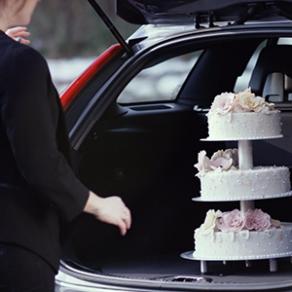 Med airbags, livrem og sikkerhedsseler